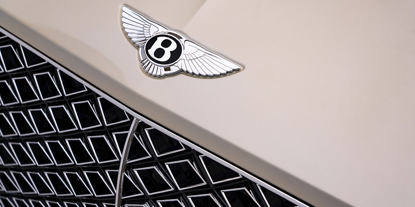 Bentley-Continental-GT-V8-Mulliner-in-White-Sand-paint-with-front-grille-detail